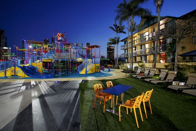 Paradise Resort Gold Coast – family specials