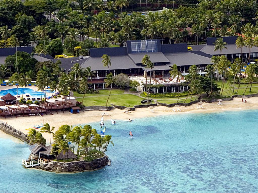 Warwick Resort Fiji – free kids club, kids eat free